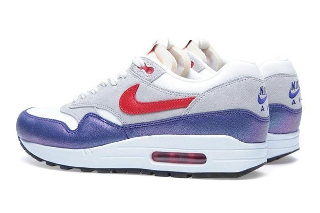 Wmns Am1 Purple Red Heel Pair 1