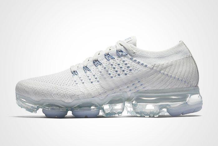 Nike Womens Air Vapormax White Blue Thumb