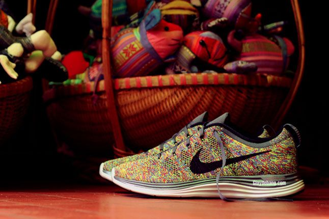 Nike Lunar Flyknit One Multi Color Pair Side 1