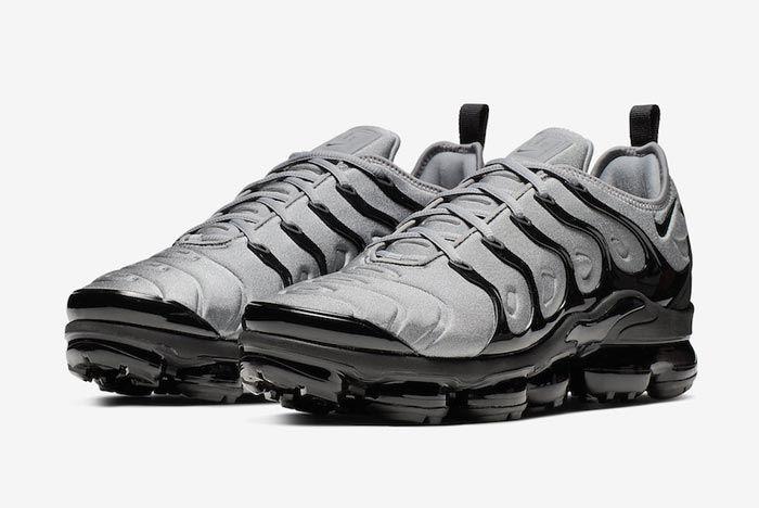 Nike Air Vapormax Cool Grey Black Pair