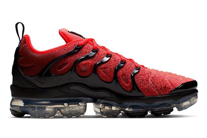Nike Air Vapor Max Plus Black Flash Crimson Right