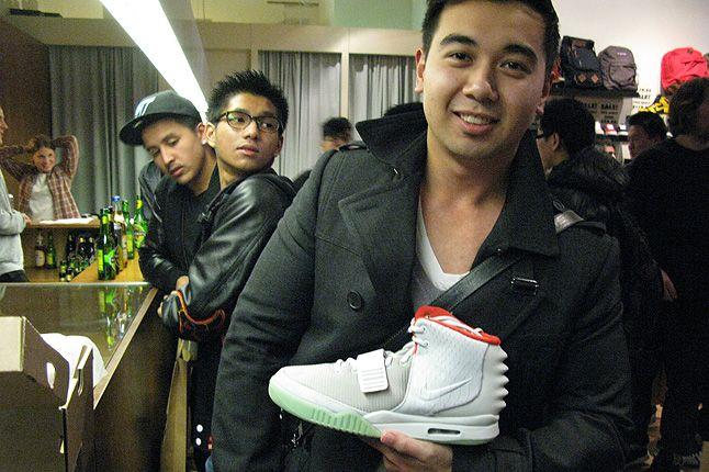 Nike Air Yeezy 1 Sure Store Raffle 22 1