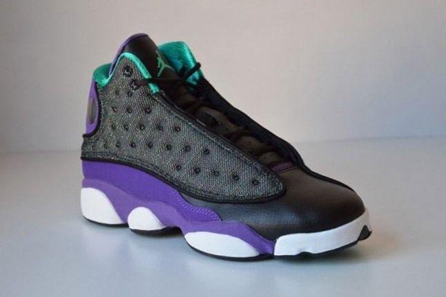Angle Air Jordan 13 Black Ultraviolet Atomic Teal 540X355 1