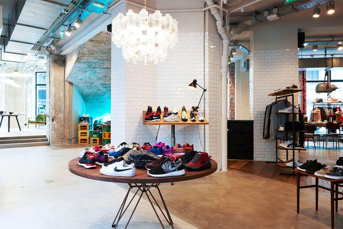 Sneakersnstuff Paris Inside1