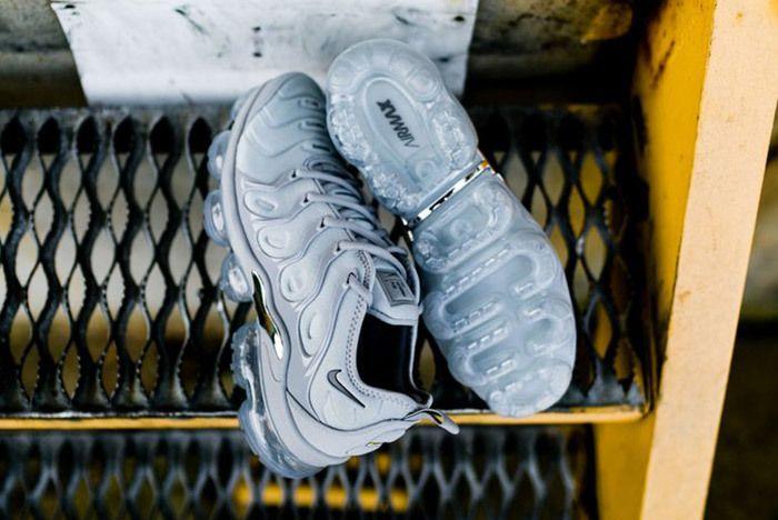 Nike Air Vapor Max Plus Wolf Grey Dark Grey Sneaker Freaker 5