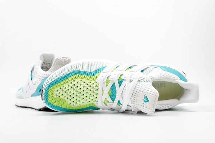 Adidas Ultra Boost Halo