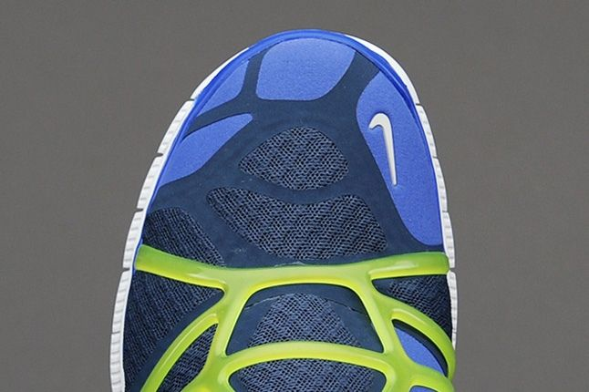 Nike Free Alt Closure Run Sqdrnbl Hypbl Cybr Toe Detail 1