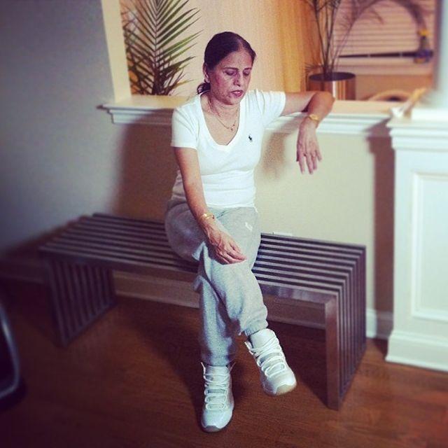 Sneaker Grandma 4