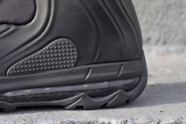 Nike Acg I 95 Posite Max Stealth Black Bubble Detail 1
