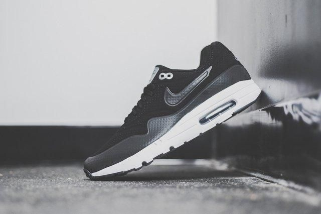 Nike Air Max 1 Ultra Moire Black Dark Grey 5
