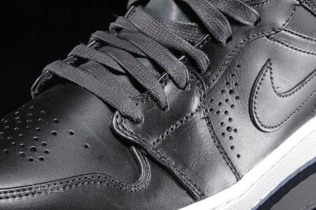 Air Jordan 1 Nouveau Black Ice 3
