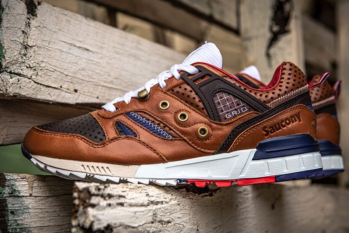 Saucony 24 Kilates Grid Sd La Victoria Side