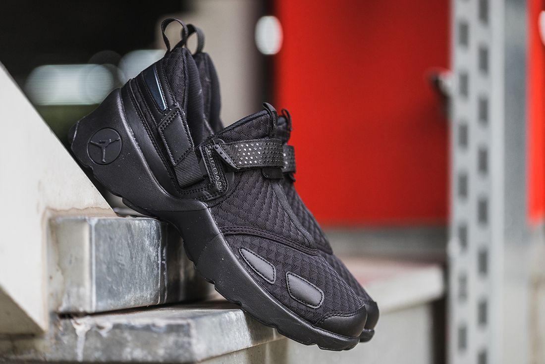 New Jordan Trunner Lx Colourways Hit Stores