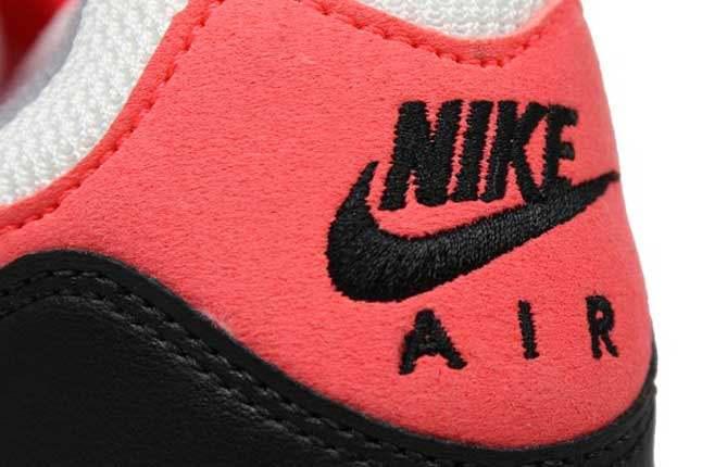Nike Air Base Ii Vntg Heel Detail 1