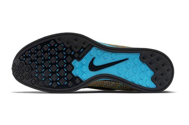 Nike Flyknit Racer Sherbet 2