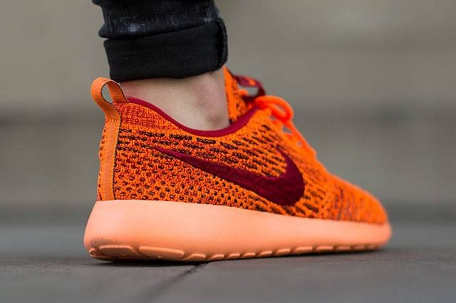 Nike Wmns Roshe One Flyknit Total Orange Gym Red Sunset Glow 4