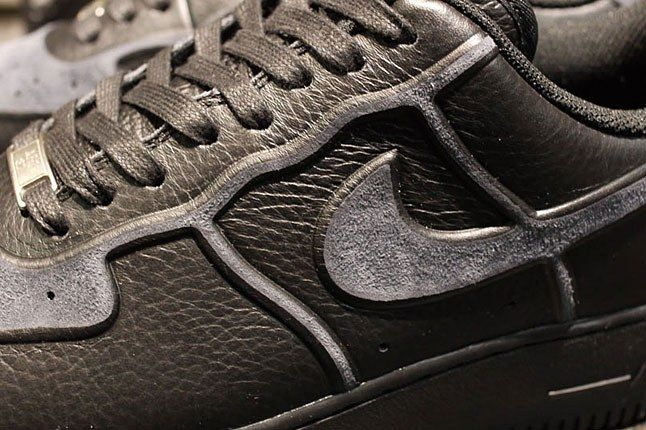 Nike Black Skive Tec 2