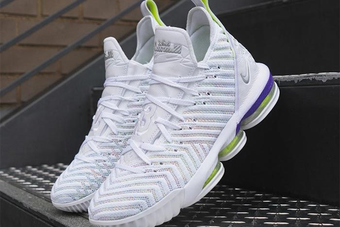 Nike Lebron 16 Hyper Grape Pair