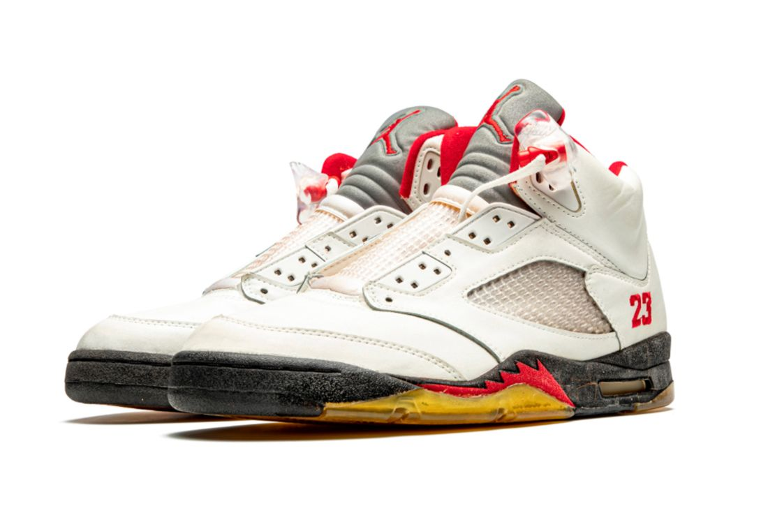 Air Jordan 5 'Fire Red' Player Exclusive Angled