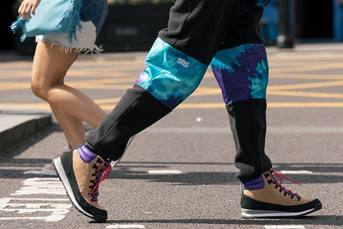 Sneakersnstuff The Northface Walking
