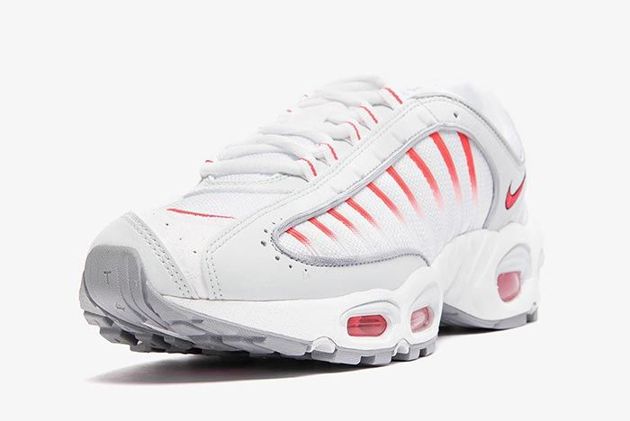 Nike Air Max Tailwind 4 White Red Aq2567 400 Front Angle 4