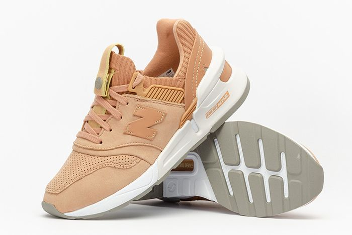 New Balance Womens 997S Pile Shot