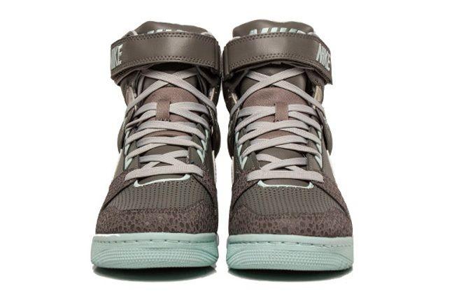 Nike Air Revolution Sky Hi Canyon Grey 3