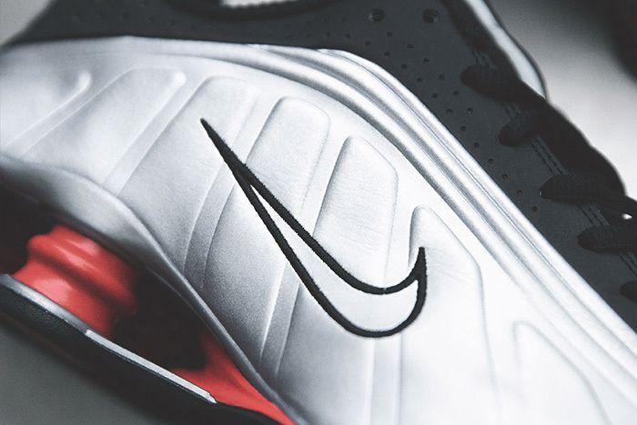 Nike Shox R4 Silver Black Red 4