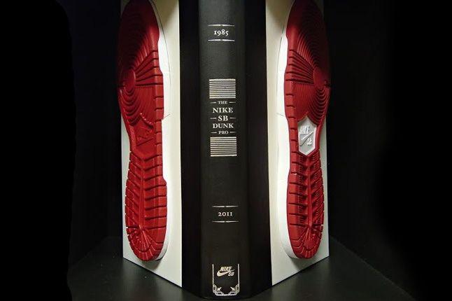 Nike Sb Dunk Pro Book 00 1