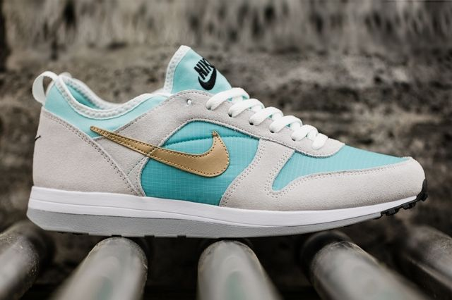 Nike Archive 75