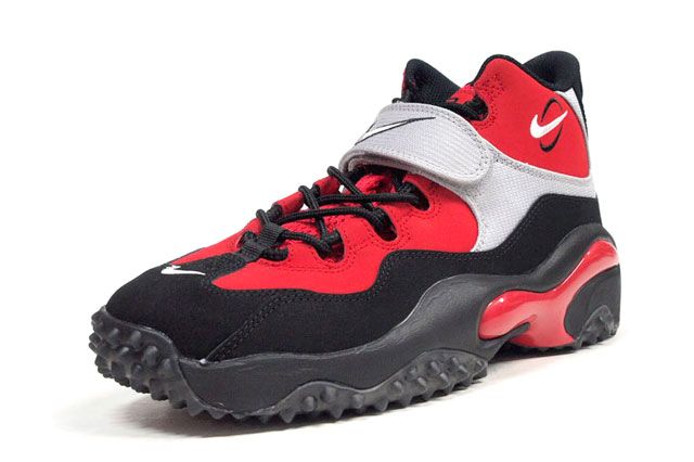 Nike Air Zoom Turf Red Perspective
