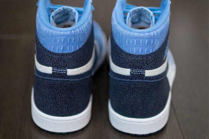 Air Jordan 1 High Og Heel Closeup 2