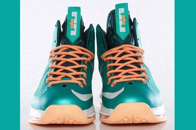 Nike Lebron X Dolphins European Release Pair Front On 1