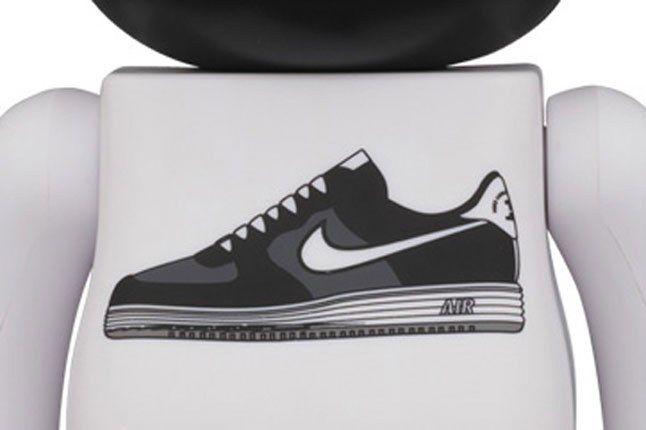 Medicom Nike Bearbrick Black 1