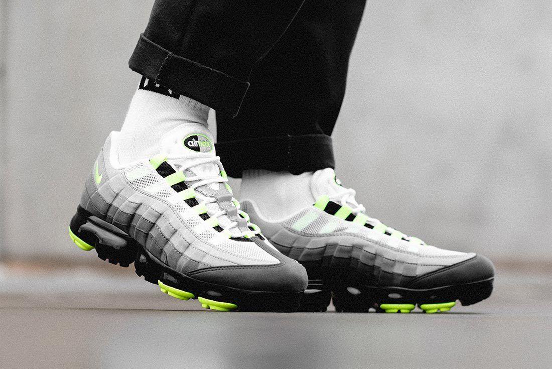 Nike Air Vapormax95 Neon 7