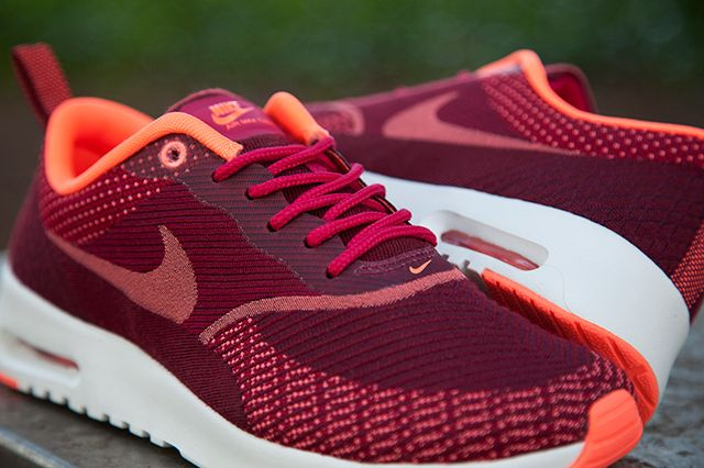 Nike Air Max Thea Jacquard Fuschia Mango 1