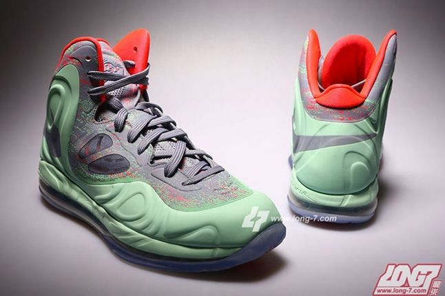 Nike Air Max Hyperposite Christmas Hero 1