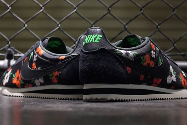 Nike Classic Cortez Nylon Qs Aloha Pack Black White Heel 1