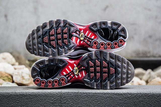 Nike Air Max Plus Kombat 2