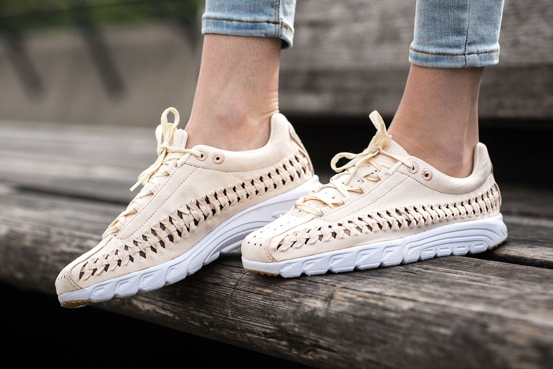 Nike Mayfly Woven Womens Pastel Pack 3