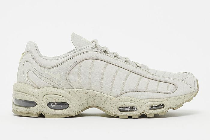 Nike Air Max Tailwind Iv Bv1357 200 Lateral Side Shot