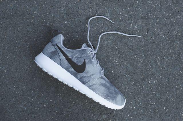 Nike Roshe Run Marble Bumperoo 5