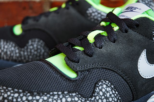 Nike Lunar Terra Safari Black Volt
