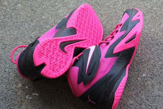 Nike Zoom Le Bron Soldier 8 Think Pink 1