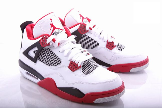 Air Jordan 4 Fire Red 01 1