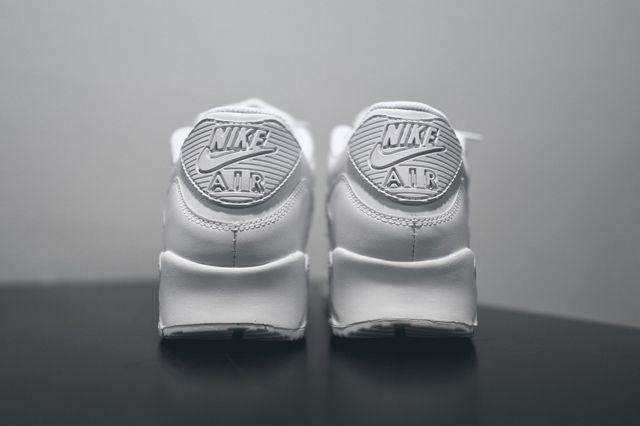 Nike Am90 Leather Triple White Bump 3