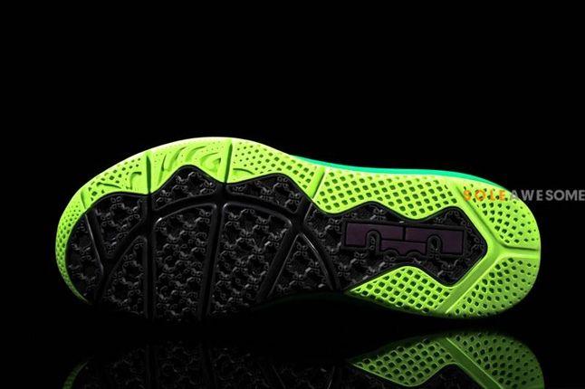 Nike Lebron X Low Pnkpurp Neongrn Tongue Sole Profile 1