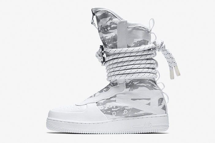 Nike Winter Whites Pack