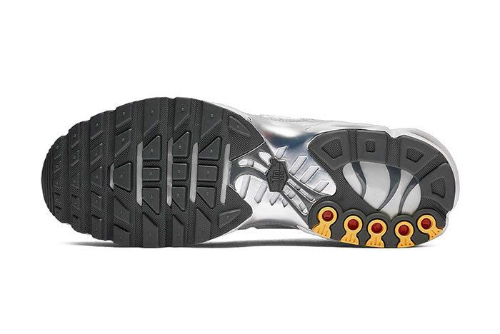 Nike Air Max Plus Grey Volt 5
