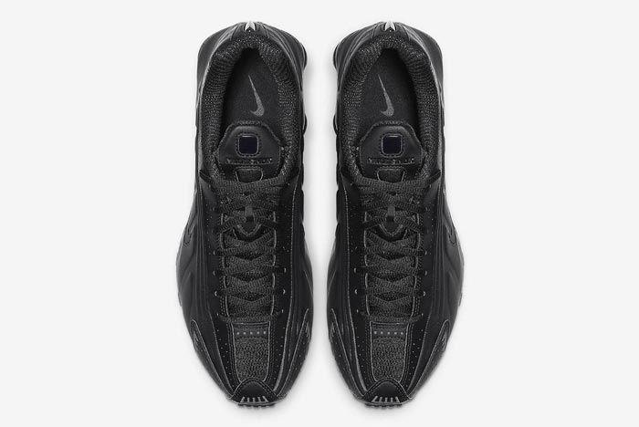 Nike Shox R4 Triple Black Top